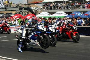 Laguna-06-Superbike-start